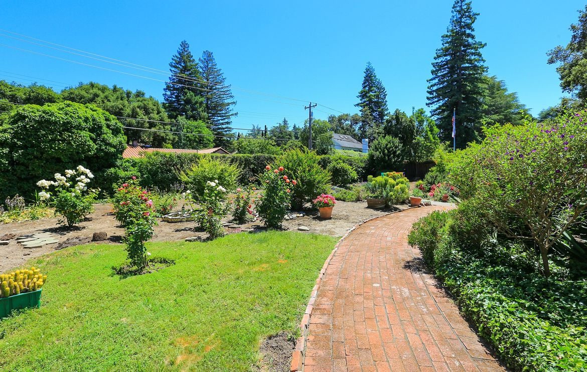 28 Almendral Avenue, Atherton- $4,300,000- SOLD with Multiple Offers!